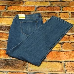 Old Navy Curvy Straight leg mid rise jeans size 16
